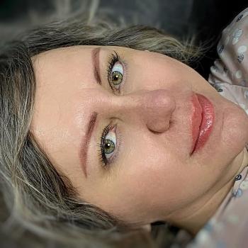 Пудровые брови и перманентный макияж губ одновременно   Хабаровск