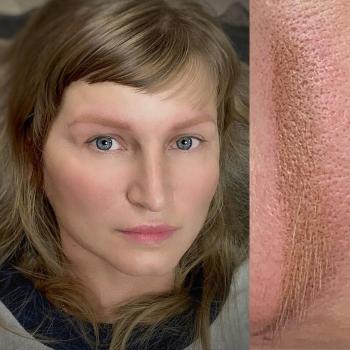 Исправление некачественного татуажа бровей в Хабаровске